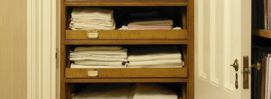 Варианты шкафов для белья, и как выбрать