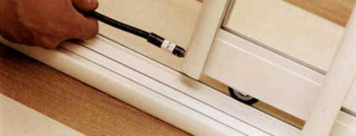 Способы ремонта шкафа купе, детальная инструкция