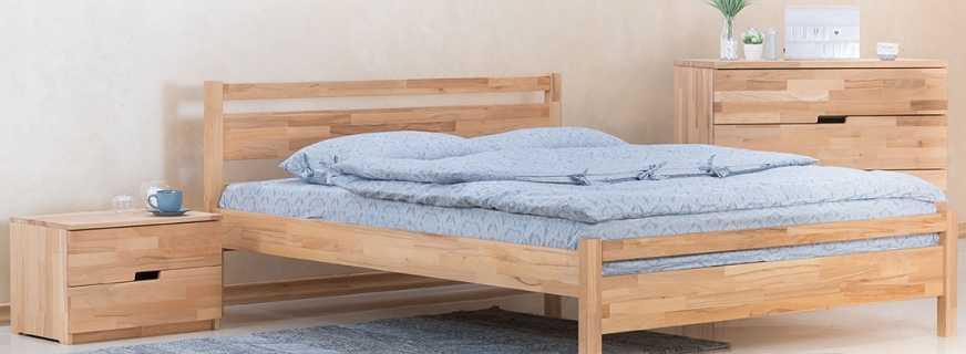 Какой купить прикроватный столик для деревянной кровати