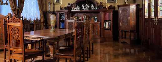 Особенности антикварной мебели, ее плюсы и минусы