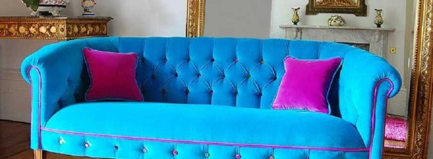 Гармоничные сочетания бирюзового дивана с современными интерьерами