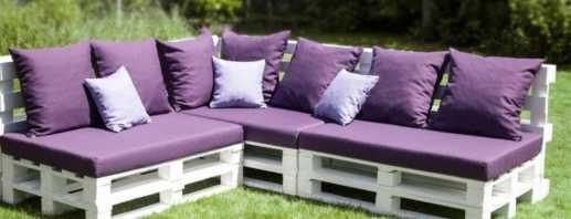 Причины популярности диванов из поддонов, их особенности