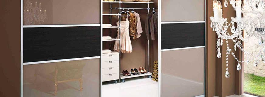 Обзор раздвижных дверей в шкаф купе, советы по выбору