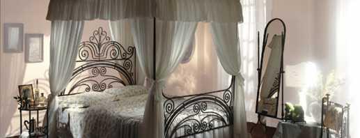 Причины популярности кованой кровати с балдахином, критерии выбора