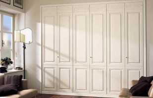Варианты дверей для встроенных шкафов, критерии выбора