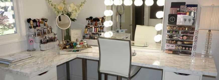 Преимущества столика для макияжа с зеркалом с подсветкой, особенности