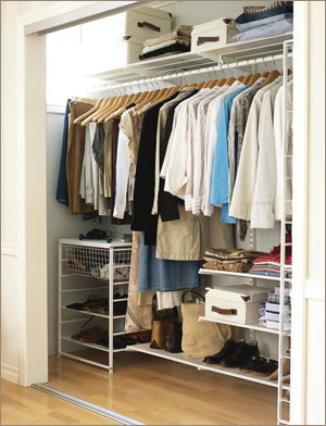 Как переделать кладовку в гардероб
