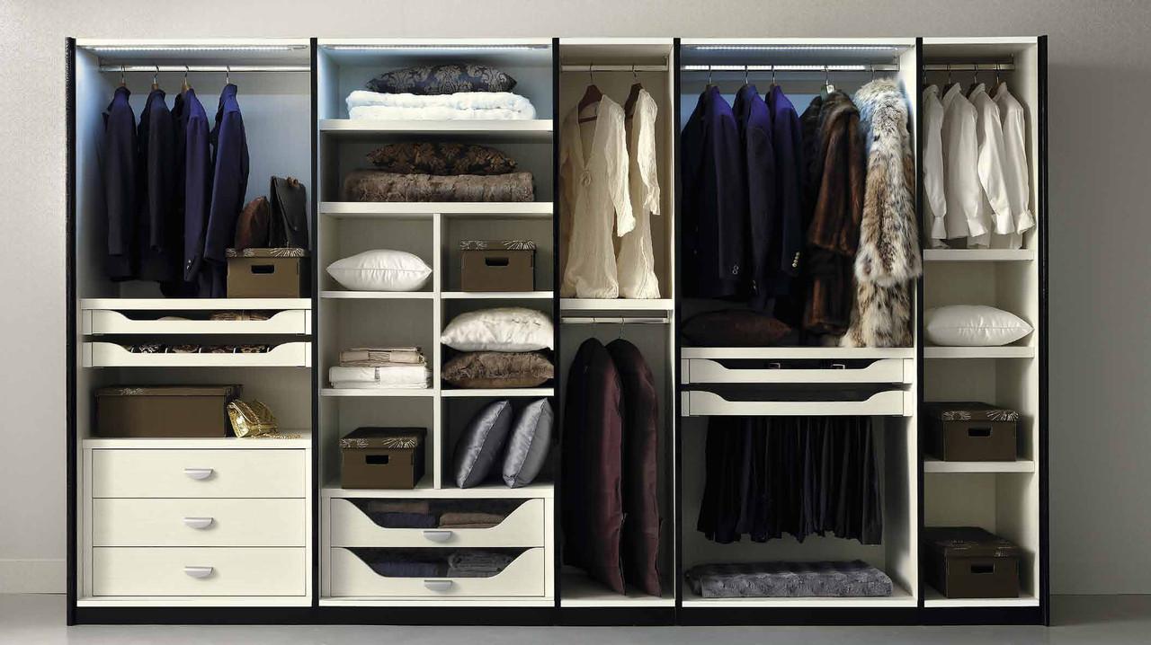 Наполнение шкафа или гардеробной