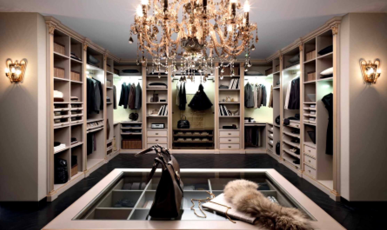 Планировка большой гардеробной комнаты