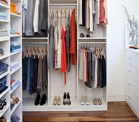 Преимущества встроенных мини гардеробных