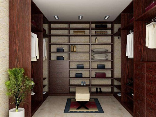 Расположение стеллажей и полок гардеробной комнаты