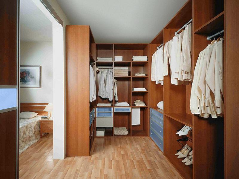 Шкафы в гардеробной