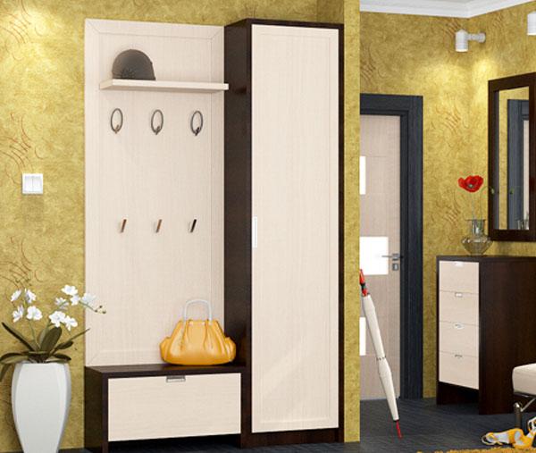 Белая мебель для небольшого коридора