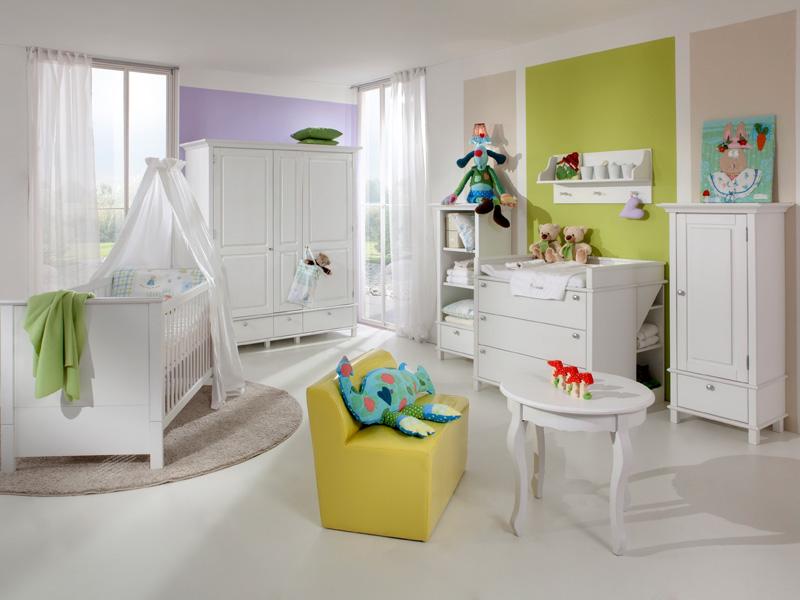 Белая мебель в обустройстве детской