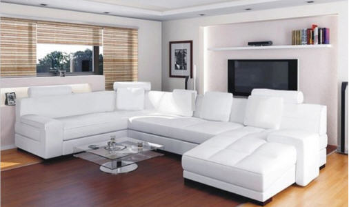 Белая мягкая мебель для гостиной