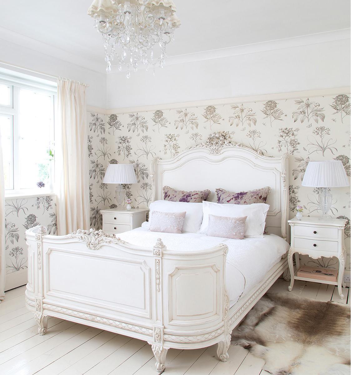 Белоснежная мебель для спальни в стиле прованс