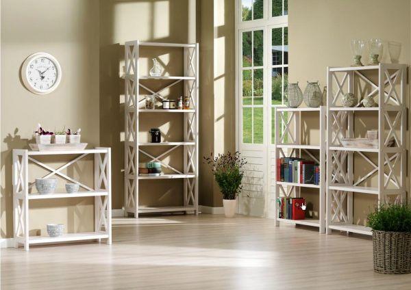 Белые этажерки для гостиной