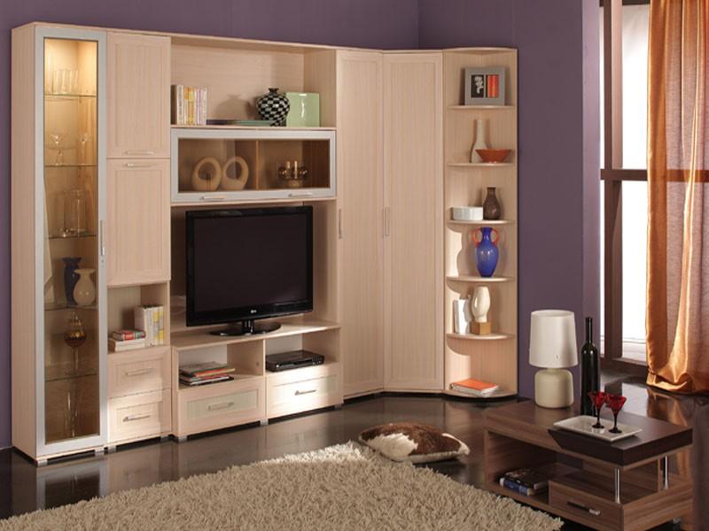 Бежевая корпусная угловая мебель для обустройства гостиной