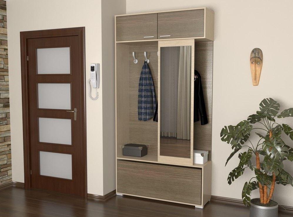 Бежевая мебель для небольшого коридора