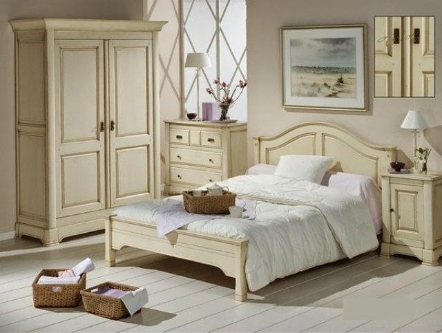Бежевая мебель для спальни в стиле прованс