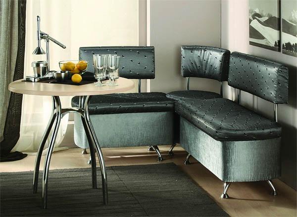 Черная мягкая мебель в кухню