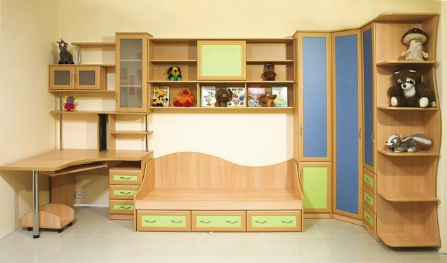 Деревянная мебель для детской спальни