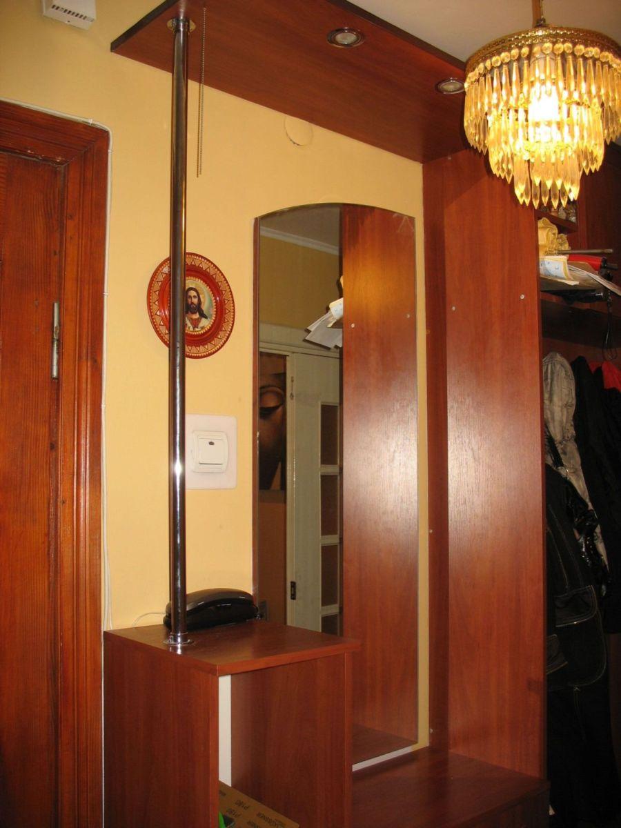 Деревянная мебель для обустройства коридора