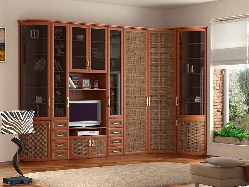 Деревянная угловая мебель в гостиной