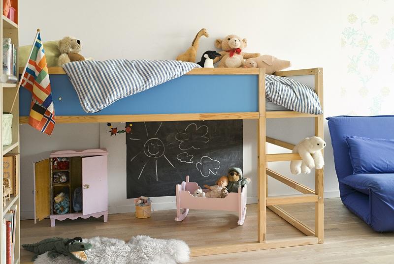 Деревянный набор детской мебели