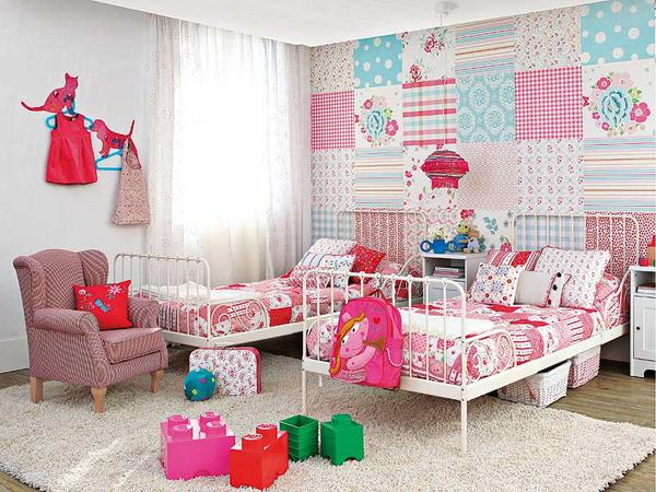Детская комната для двух девочек одного возраста