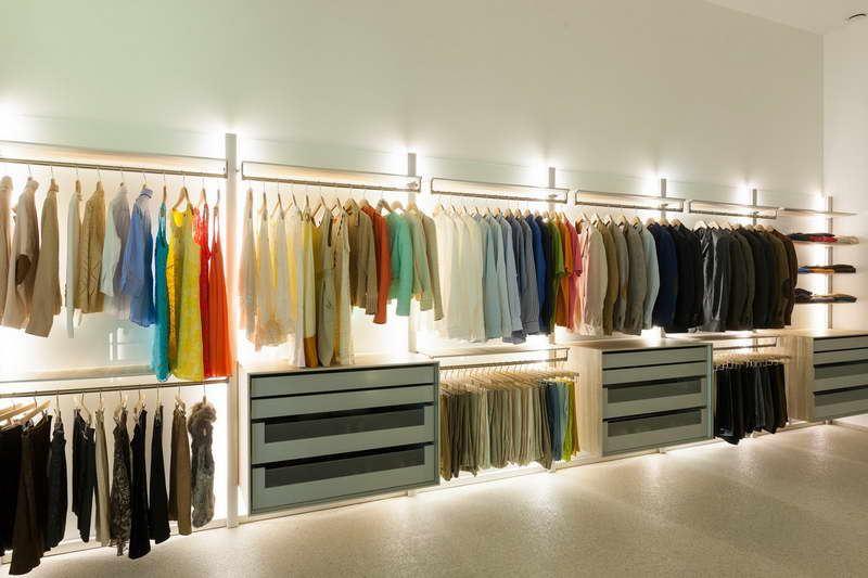 Дизайн гардеробной с организацией освещения