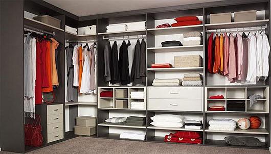 Дизайн специальной комнаты для вещей