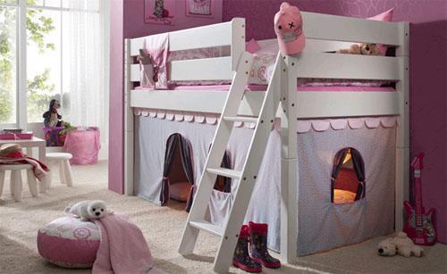 Долговечная детская мебель из массива