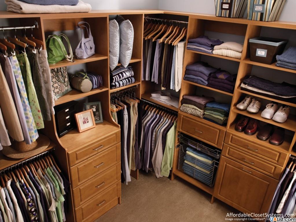 Функциональная угловая гардеробная