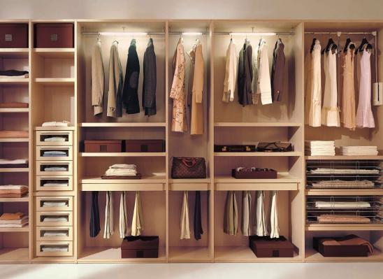 Функциональное гардеробное помещение