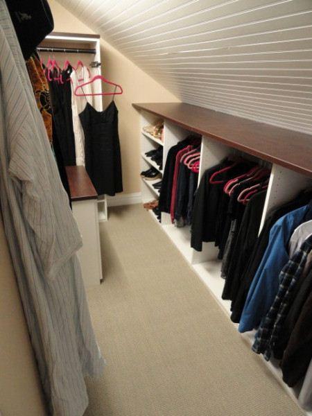 Гардеробная комната может быть и проходным помещением