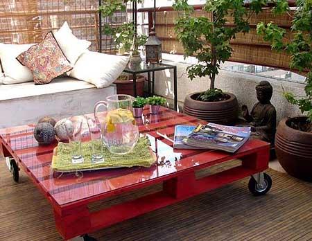 Глянцевая садовая мебель из поддонов