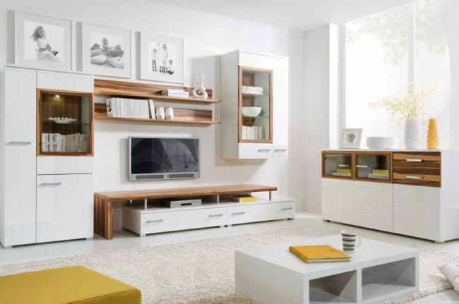 Гостиная комната с красивой мебелью в современном оформлении