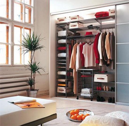 Как обустроить гардеробную комнату