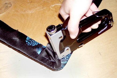 Как правильно использовать степлер для мебели