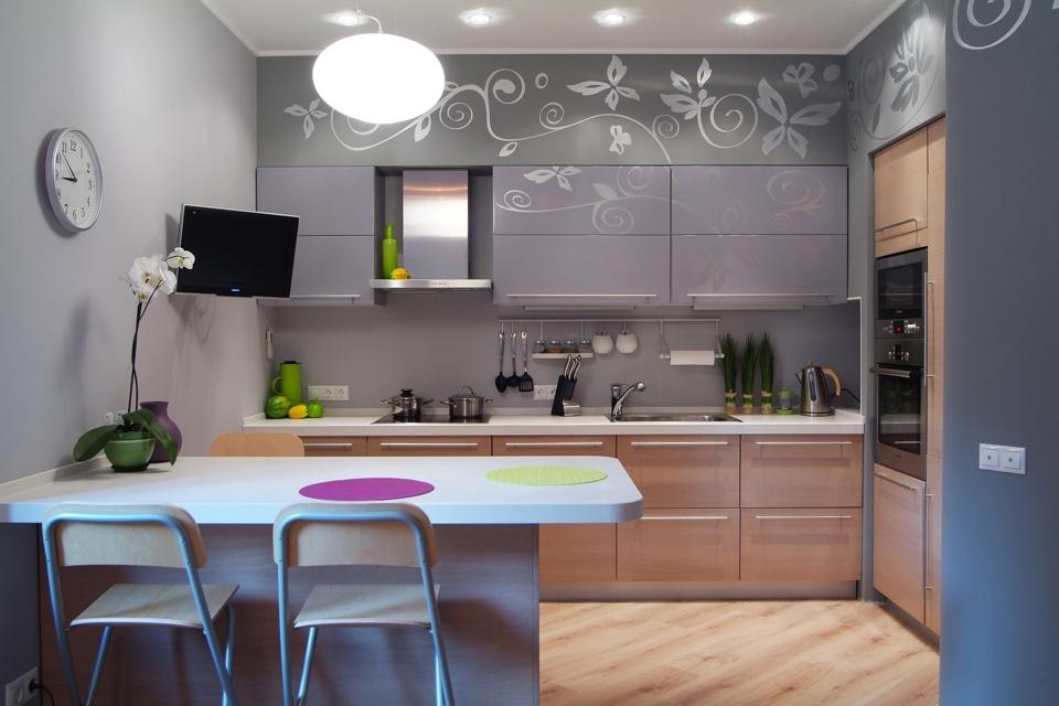 Как правильно выбрать мебель для обустройства кухни в доме
