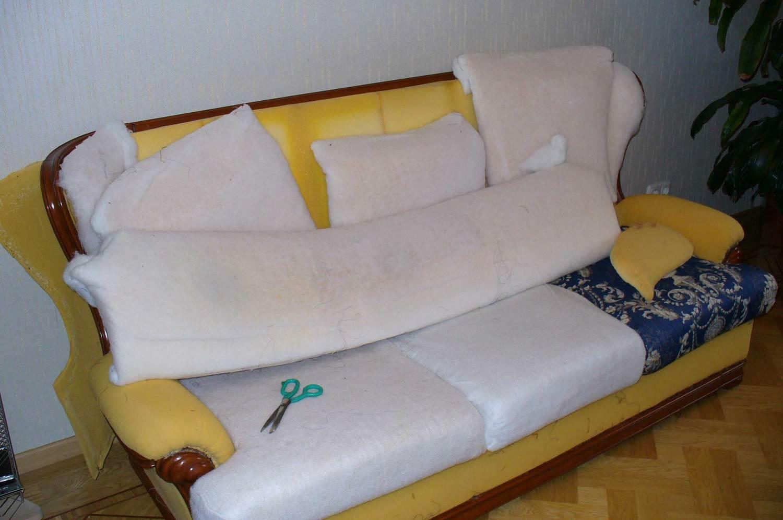 Как убрать старую обивку мебели