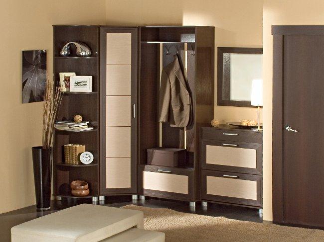 Как выбрать современную мебель в коридор