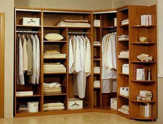 Каркасная гардеробная в углу