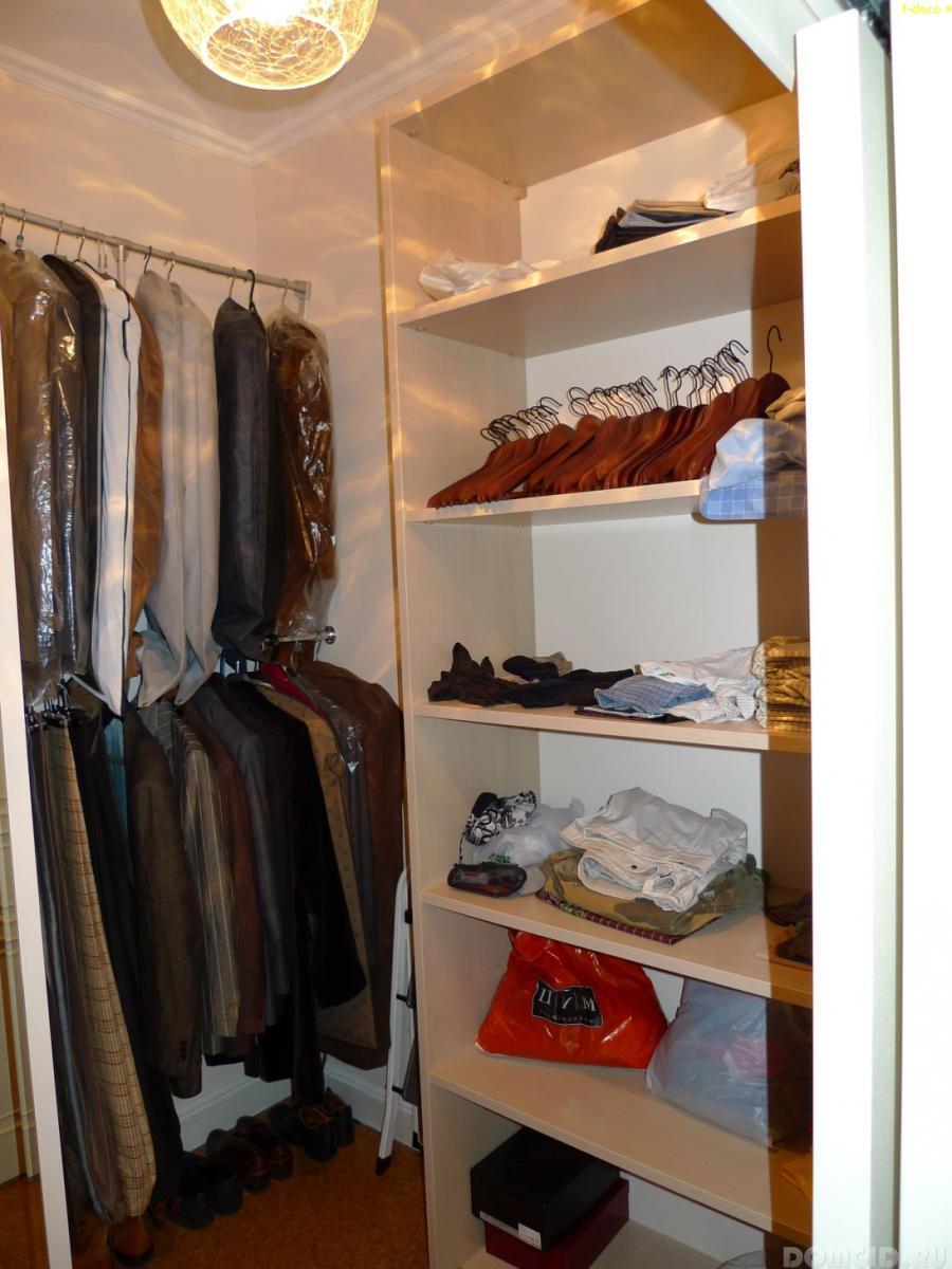 Комната небольшого размера под гардероб