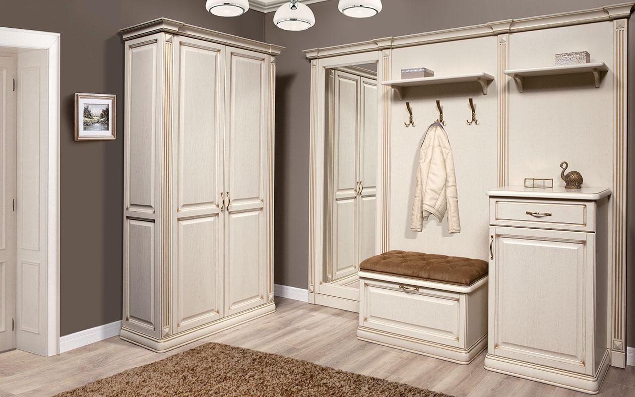 Комната в белых цветах