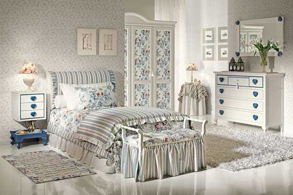 Компактная мебель для спальни в стиле прованс