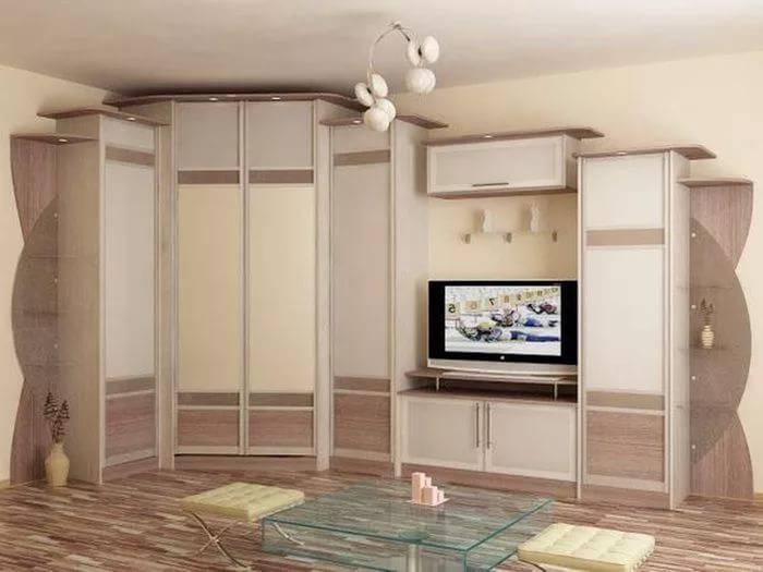 Компактная мебель в углу гостиной комнаты