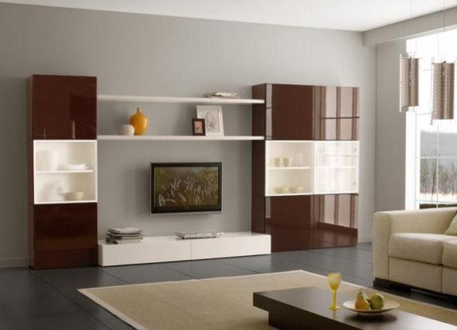 Коричневая глянцевая мебель для гостиной