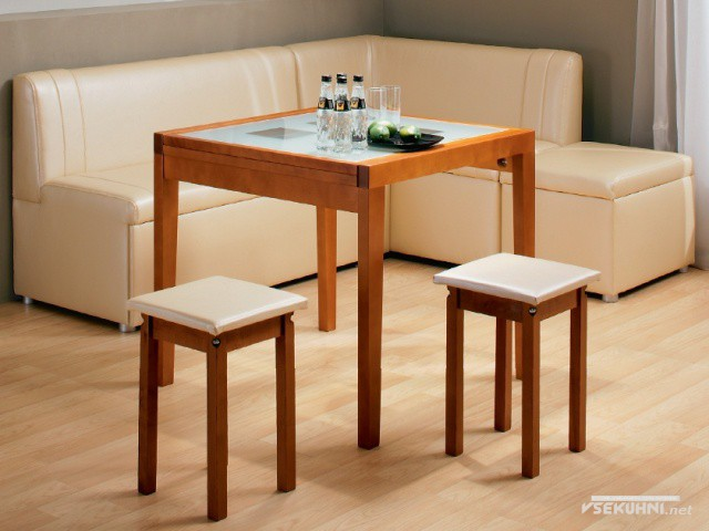 Кожаная мягкая мебель в кухню